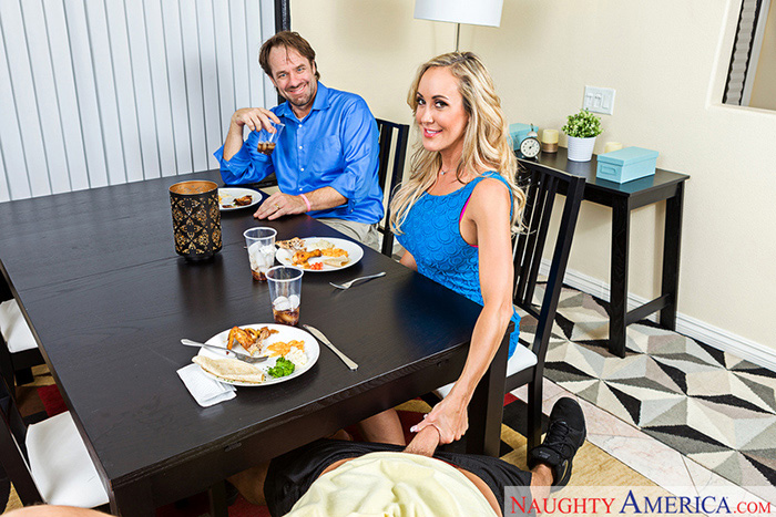 adult4vr horny stepmom brandi love 1